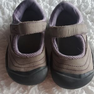 Toddlers size 10 Keen
